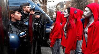 Marianne face aux forces de l'ordre
