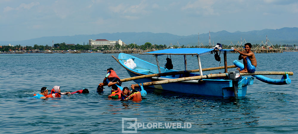 perahu wisata pangandaran