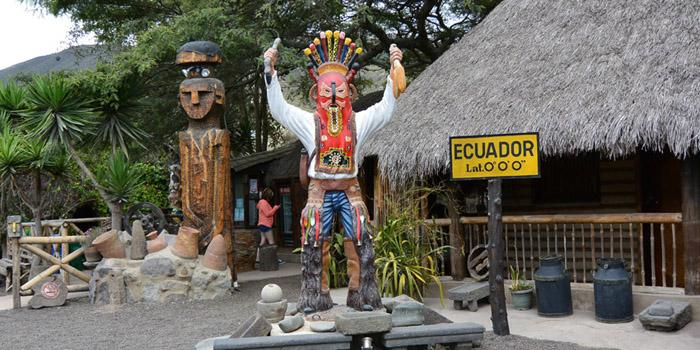 Tips de Viajero Blog de viajes en familia Quito visitando Mitad del Mundo