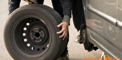 Cara Mengganti Ban Mobil dengan Tepat dan Benar