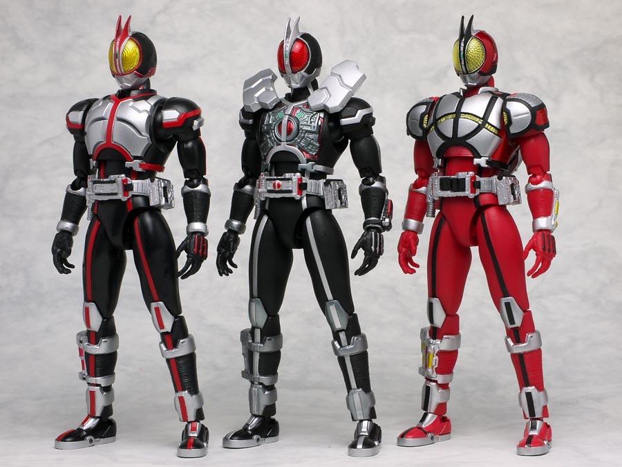 S.H.Figuarts Kamen Rider Faiz Axel Form   Gundam Century