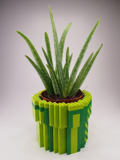 15. Pot bunga dari lego