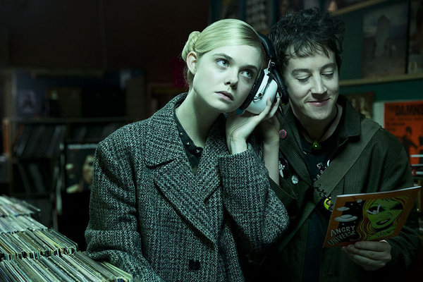 "[Cine] Crítica: ""How to Talk to Girls at Parties"" (2017), de John Cameron Mitchell (XV Muestra Syfy)"