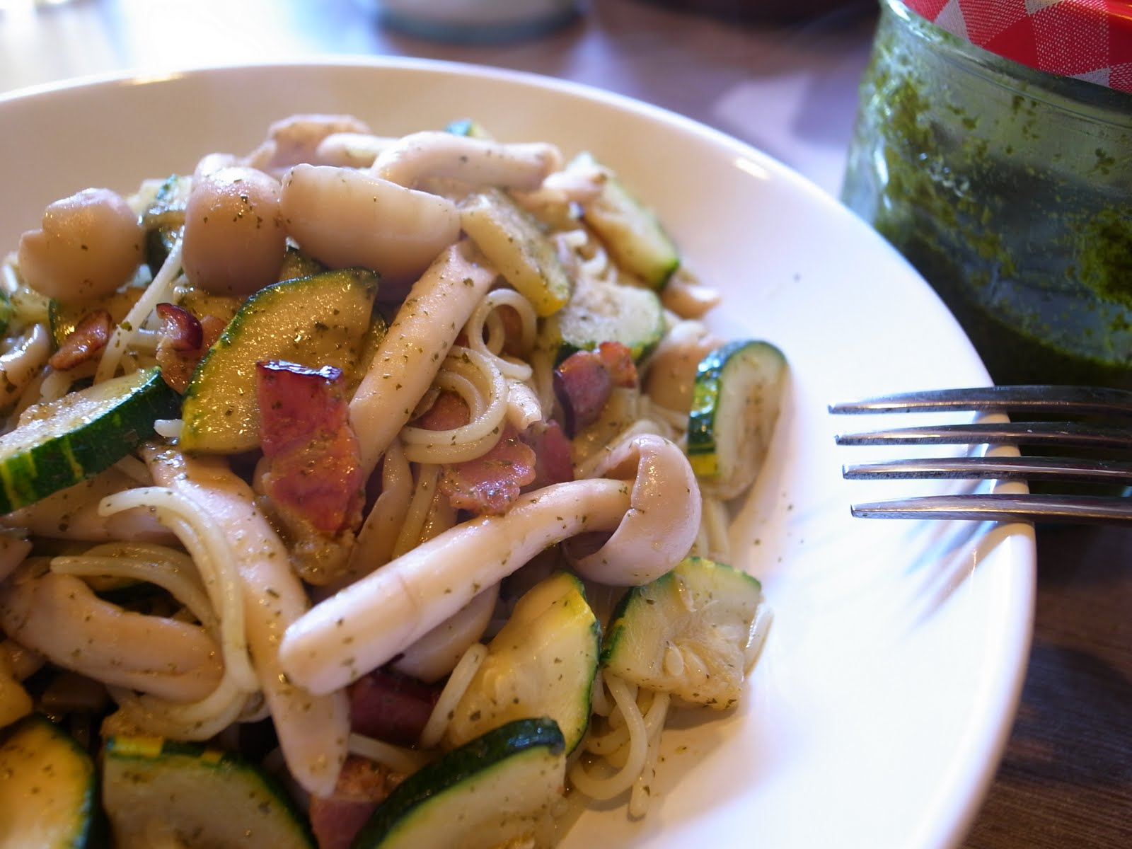 食記 - 節瓜白菇香椿青醬義大利麵