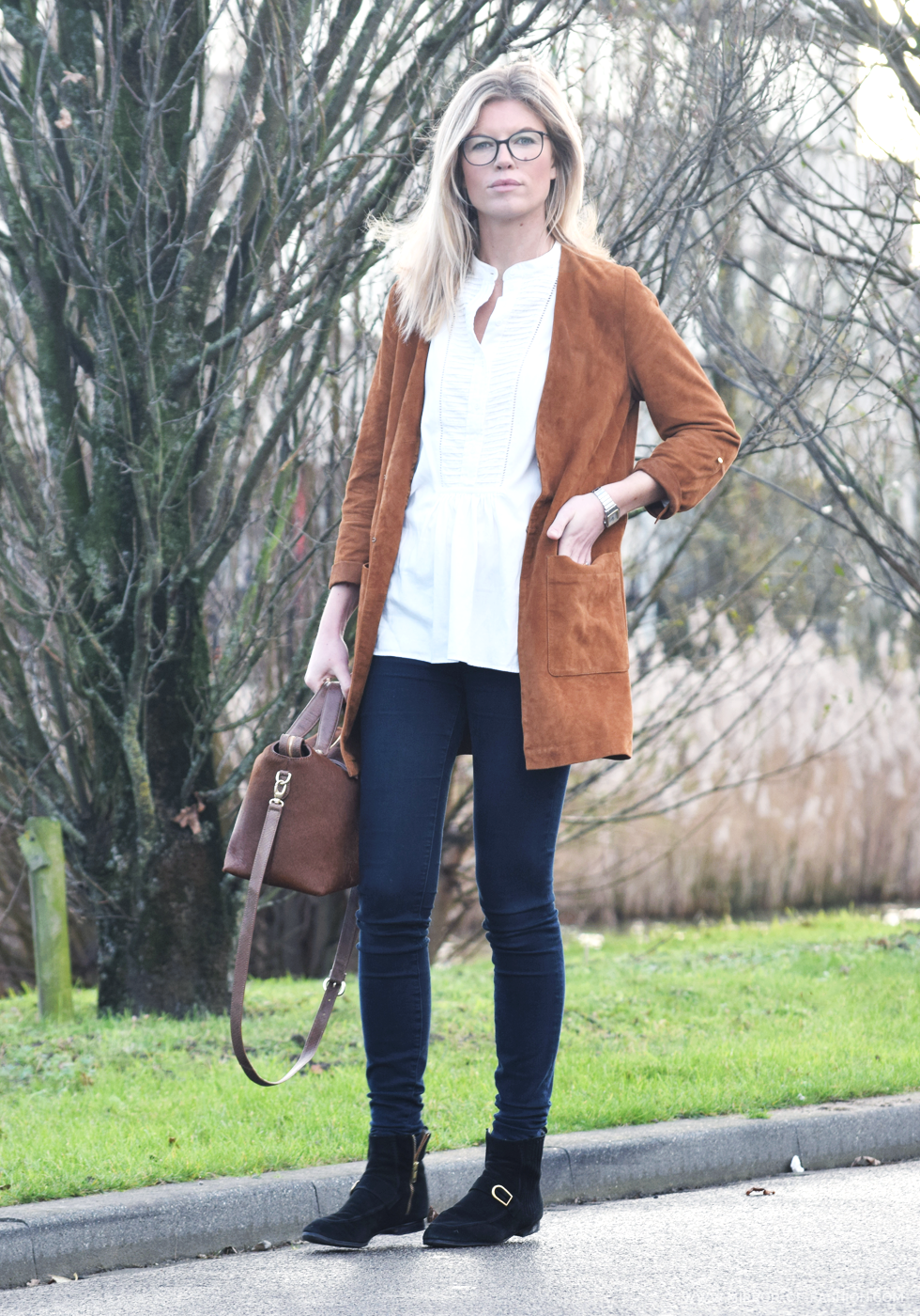 Chanel, Esprit, Vanessa Bruno Athé, La Pomme de Loveley, Jbrand, isabel marant, Outfit of the day, suede