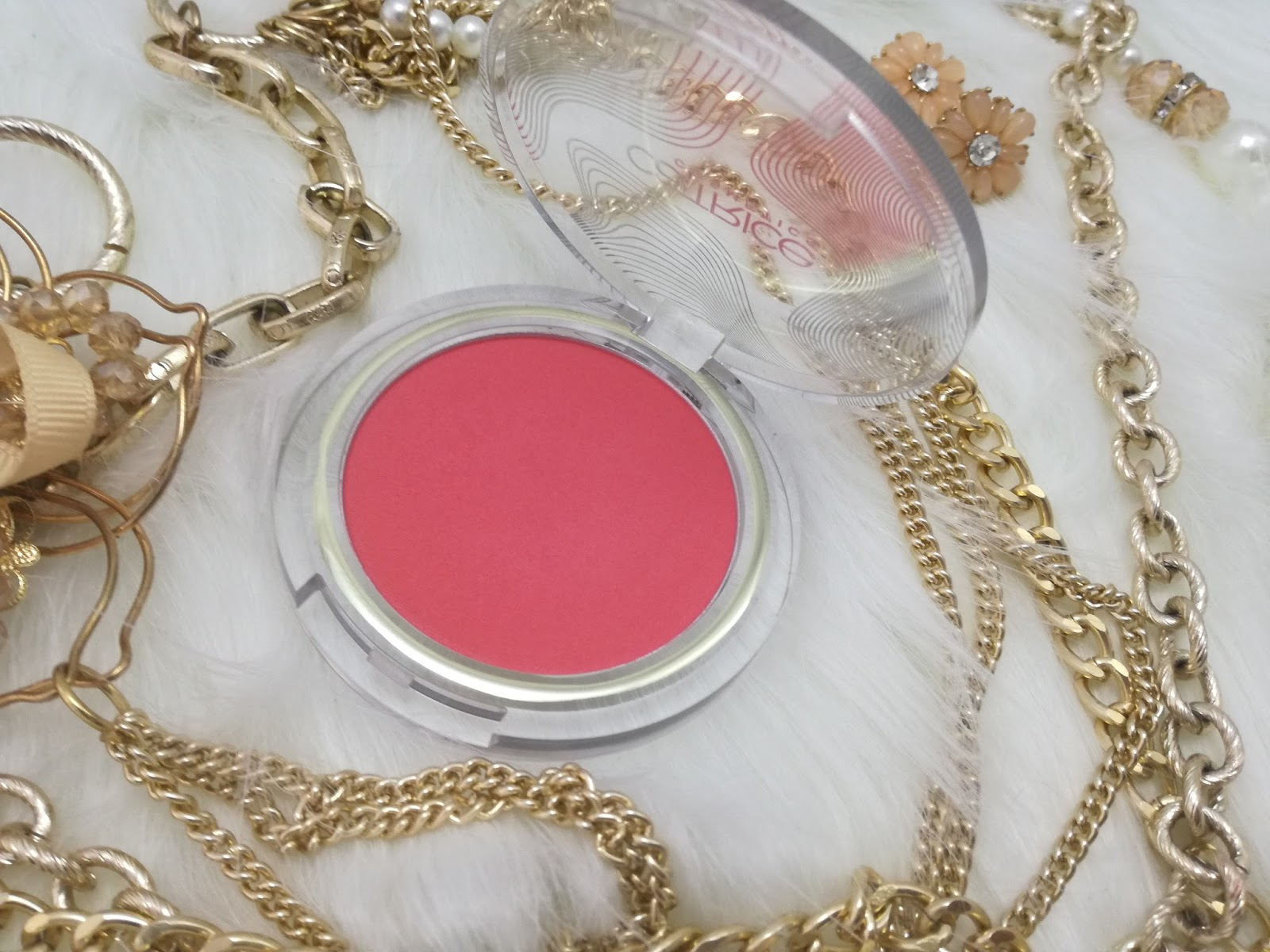 catrice-pulse-of-purism-limited-edition-pure-hibiscocoon-blush