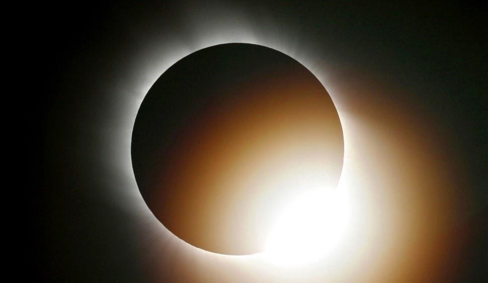Itt nézheted a napfogyatkozást élőben!