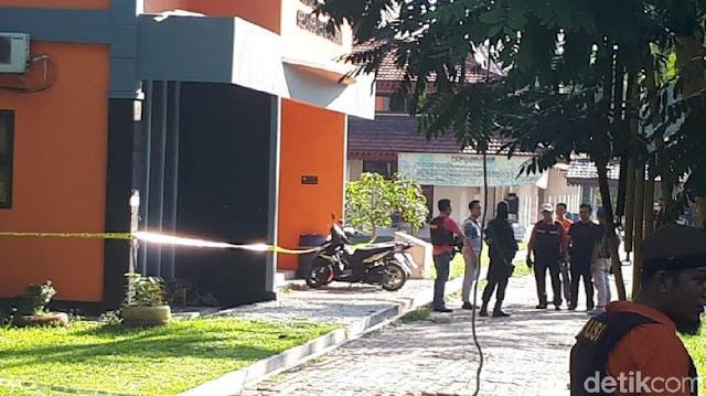 Polisi: Terduga Teroris di UNRI Berencana Bom Gedung DPR