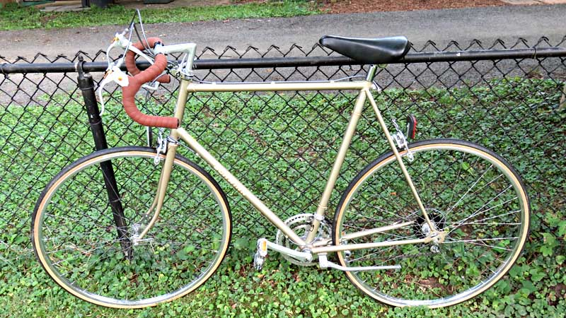 Picture of Schwinn Le Tour Bicycle leaning against a fence