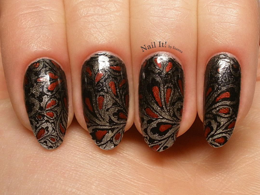 Metaliczno czerwony paislay