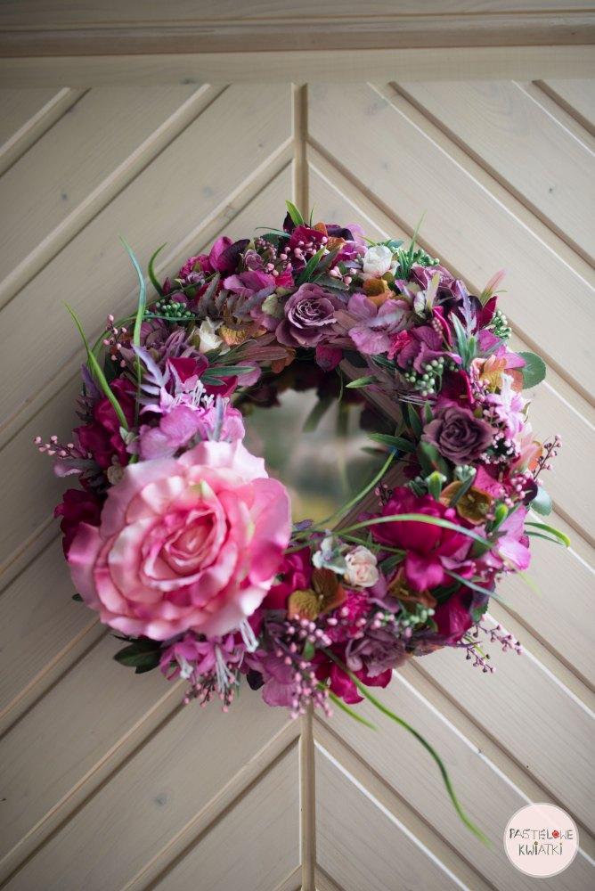 wianek kwiatowy dekoracyjny