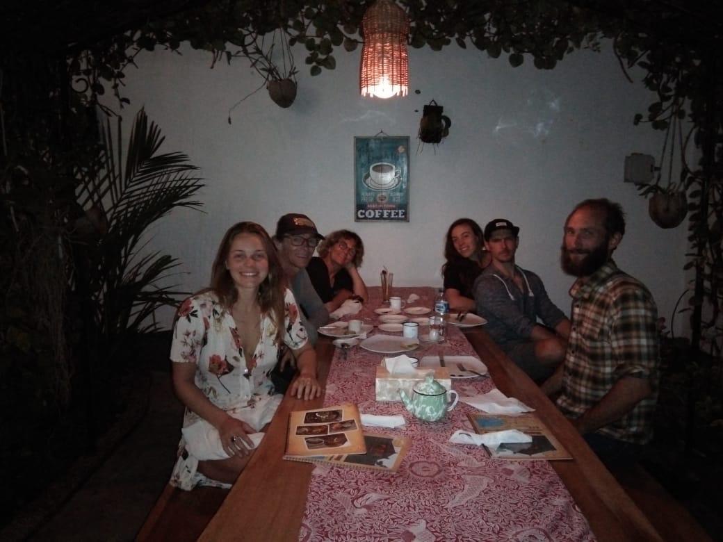 Dapoer Kampoeng, Rasa Turis Harga Osis