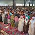 Apakah Perlu Mengangkat Tangan dan Mengaminkan Imam Saat Membaca Qunut Subuh