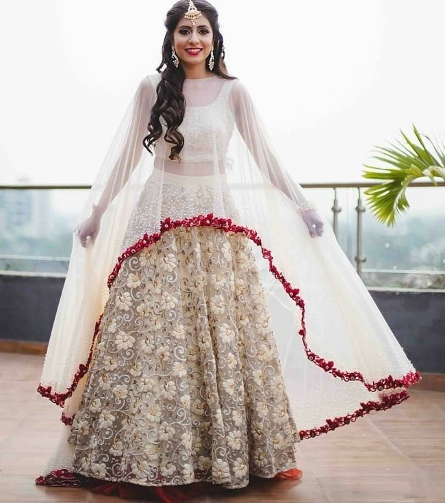 If You Are Hunting For The Best Ethnic Dresses And Luxurious Staples All Over In Market Your Search Stops Here Myntra Amazon Have Got Some Glistening