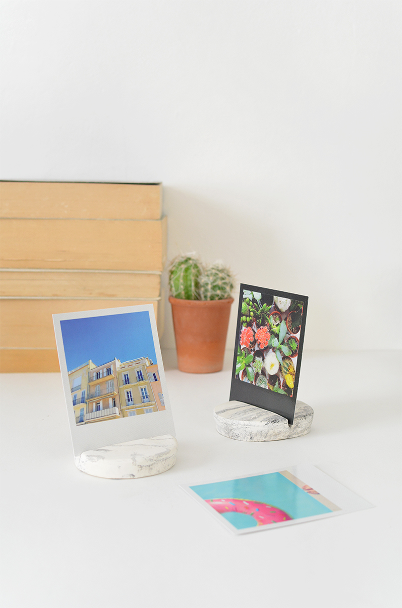 DIY marble photo holder