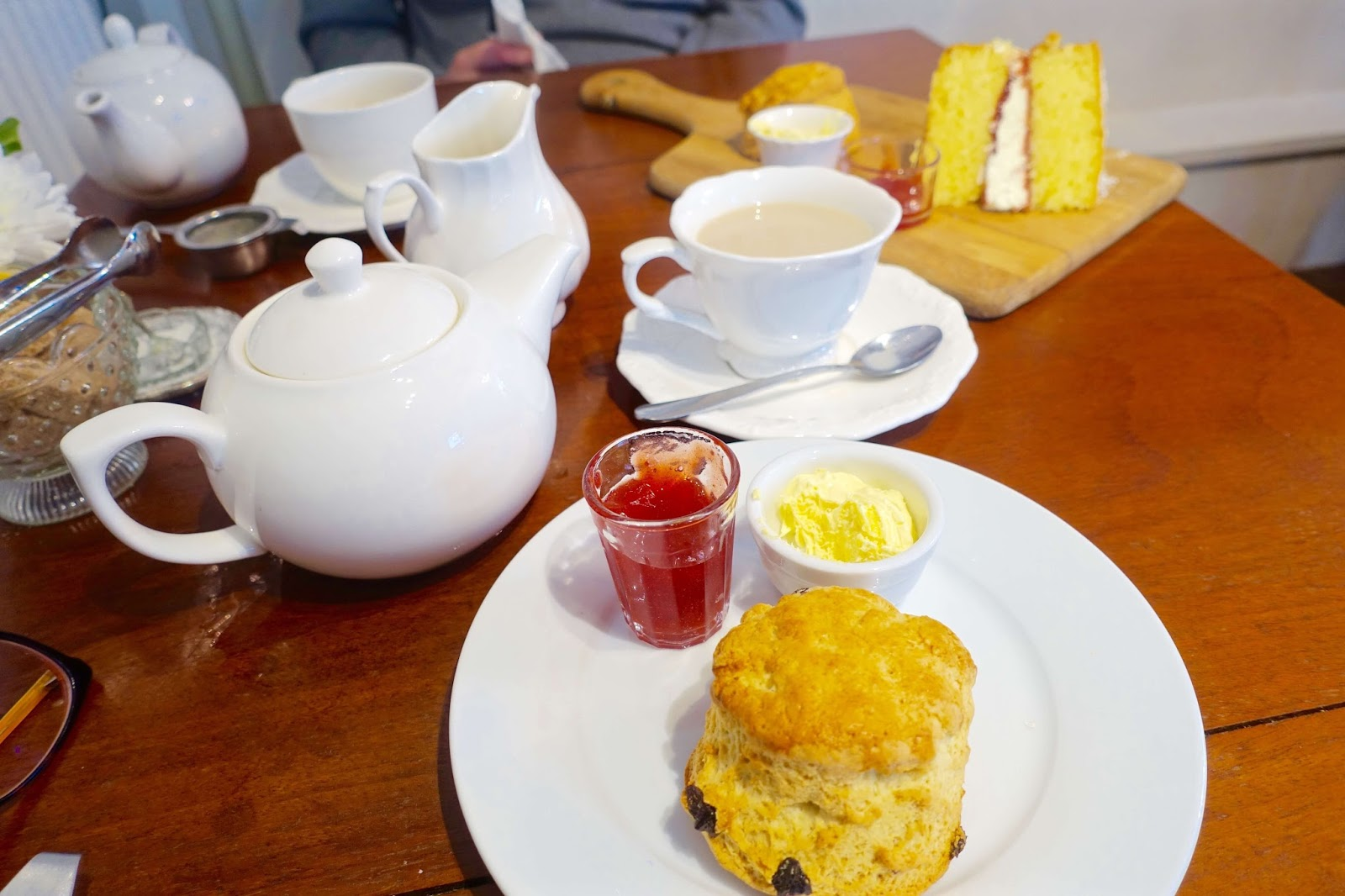 Cream tea at Bourton-on-the-water in the Cotswolds