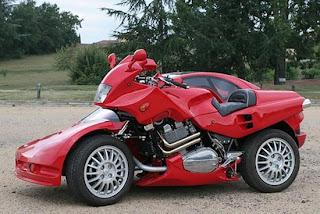 auto y motocicleta a la vez