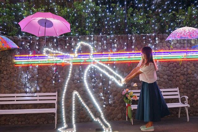 DSC06497 - 太平景點│臺中市屯區藝文中心傘亮花博裝置藝術,帶我走或把傘留給我