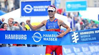 TRIATLÓN (Series Mundiales 2017) - Mario Mola repite en Hamburgo y Flora Duffy consigue su tercera victoria del año