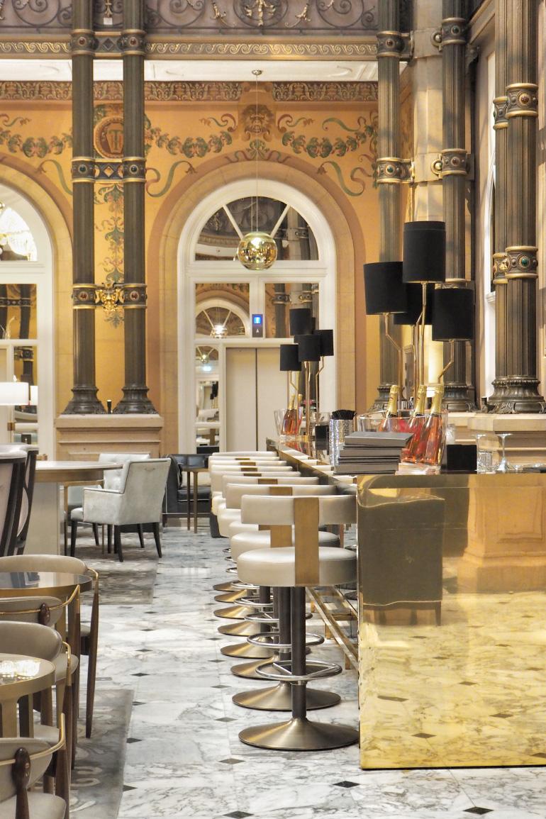 Bar dans le Grand Salon de l'hôtel Hilton Paris Opéra