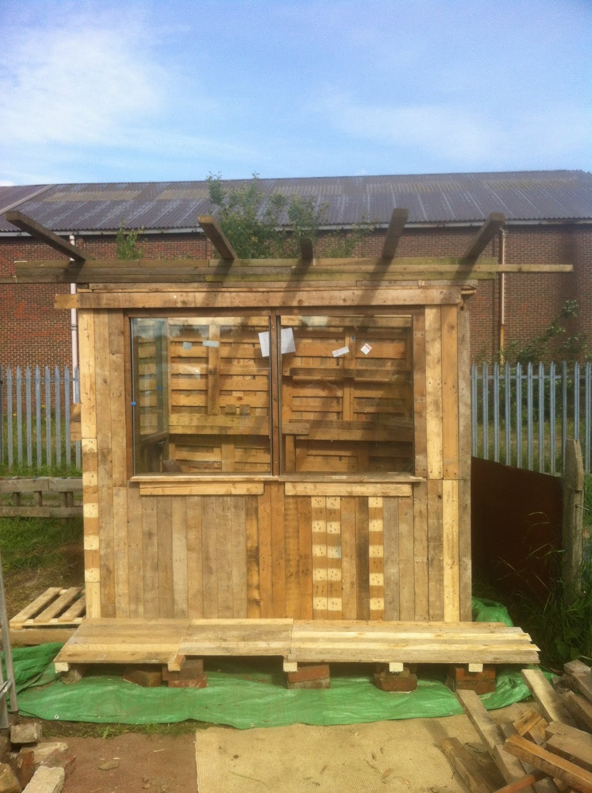My Yorkshire Allotment: The Pallet shed build