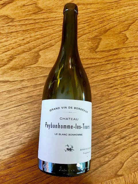 2016 Château Peybonhomme-Les-Tours Blanc Blaye Côtes de Bordeaux. Photo by Nicole Ruiz Hudson
