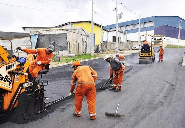 Vereador Élcio do Aviário consegue junto da prefeitura pavimentação para 4 vias na vila Maria do Rosário