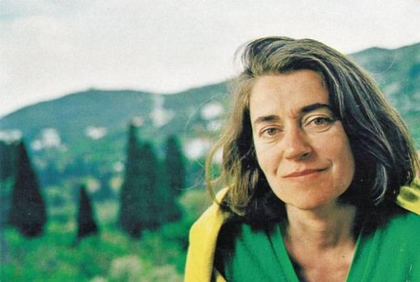 Η Ιωάννα Καρυστιάνη παρουσίασε το νέο της βιβλίο