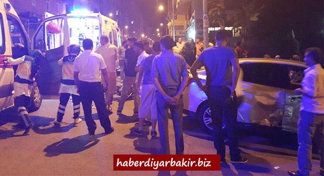 Diyarbakır Huzurevleri'nde trafik kazası: 2 yaralı