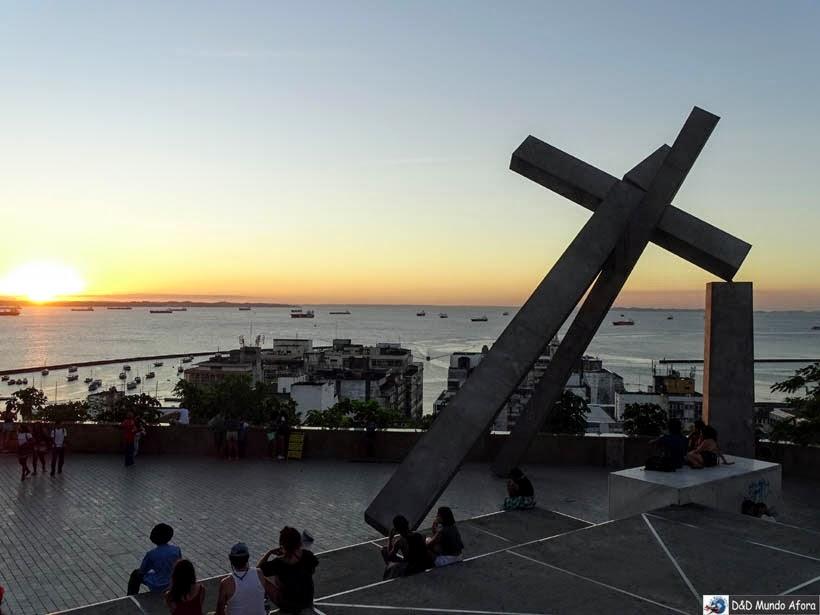 O que fazer em Salvador (Bahia) - Monumento Cruz da Caída
