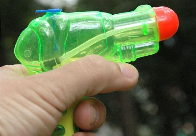 nostaljik su tabancası