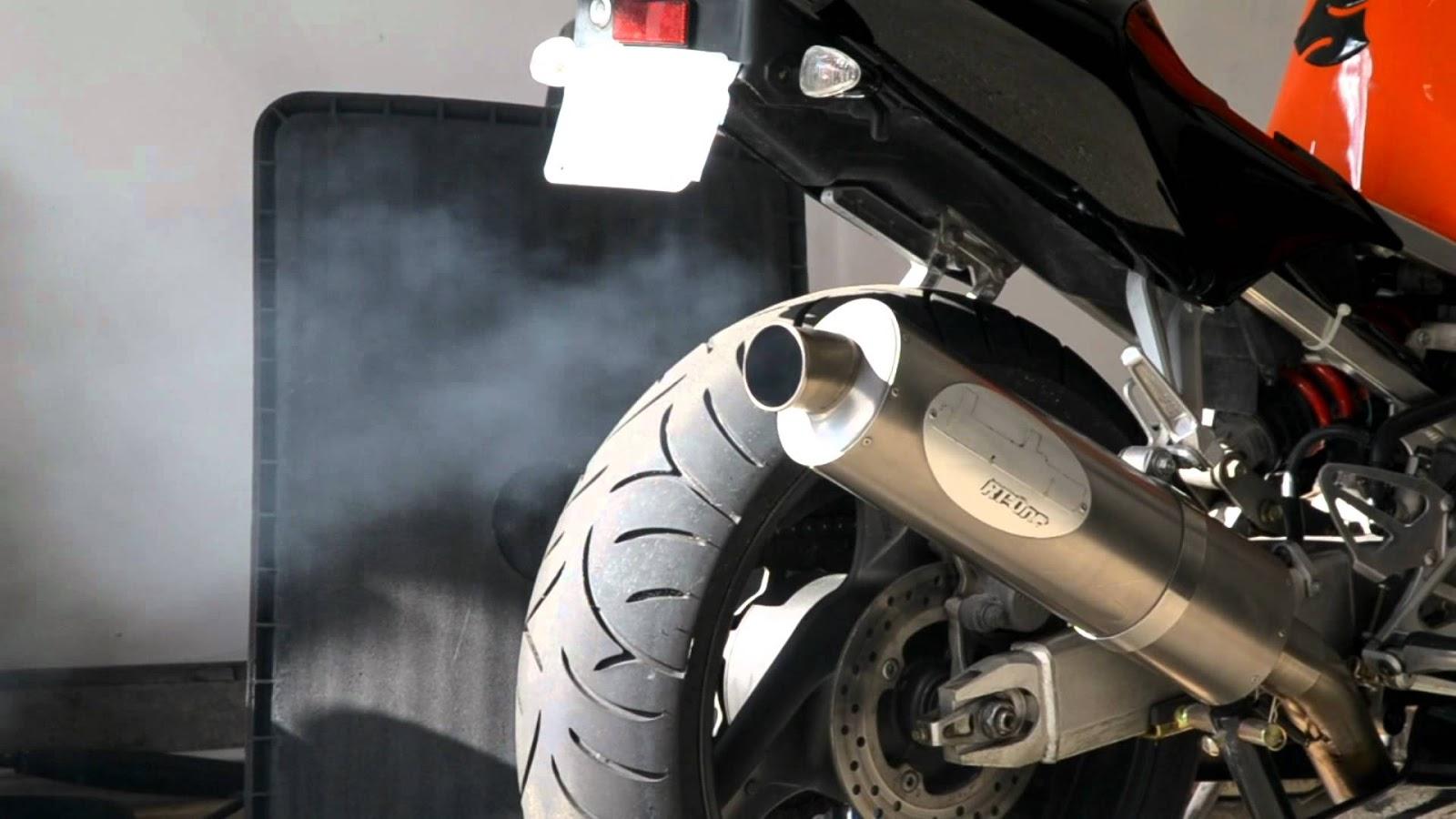 acr blog: knalpot motor berasap saat dipanasi di pagi hari? jangan