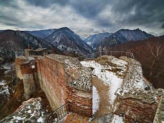 Photo du château de Poenari