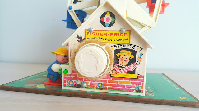 trouvaille-emmaus-manege-fisher-price