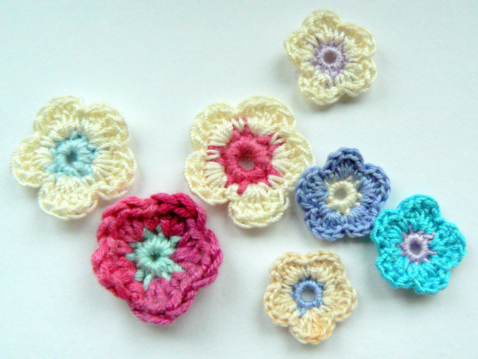 Decorative Crochet : Head over to this weeks Granny Love Challenge at Danes for more ...