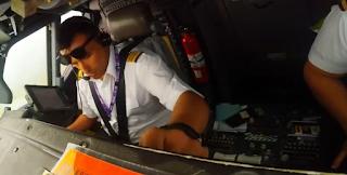 Έτσι προσγειώνουν οι πιλότοι τα αεροπλάνα. Η φοβερή θέα μέσα στο πιλοτήριο - ΒΙΝΤΕΟ