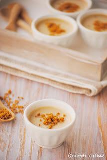 Panacotta de crema de speculoos con chips de galleta caramelizada
