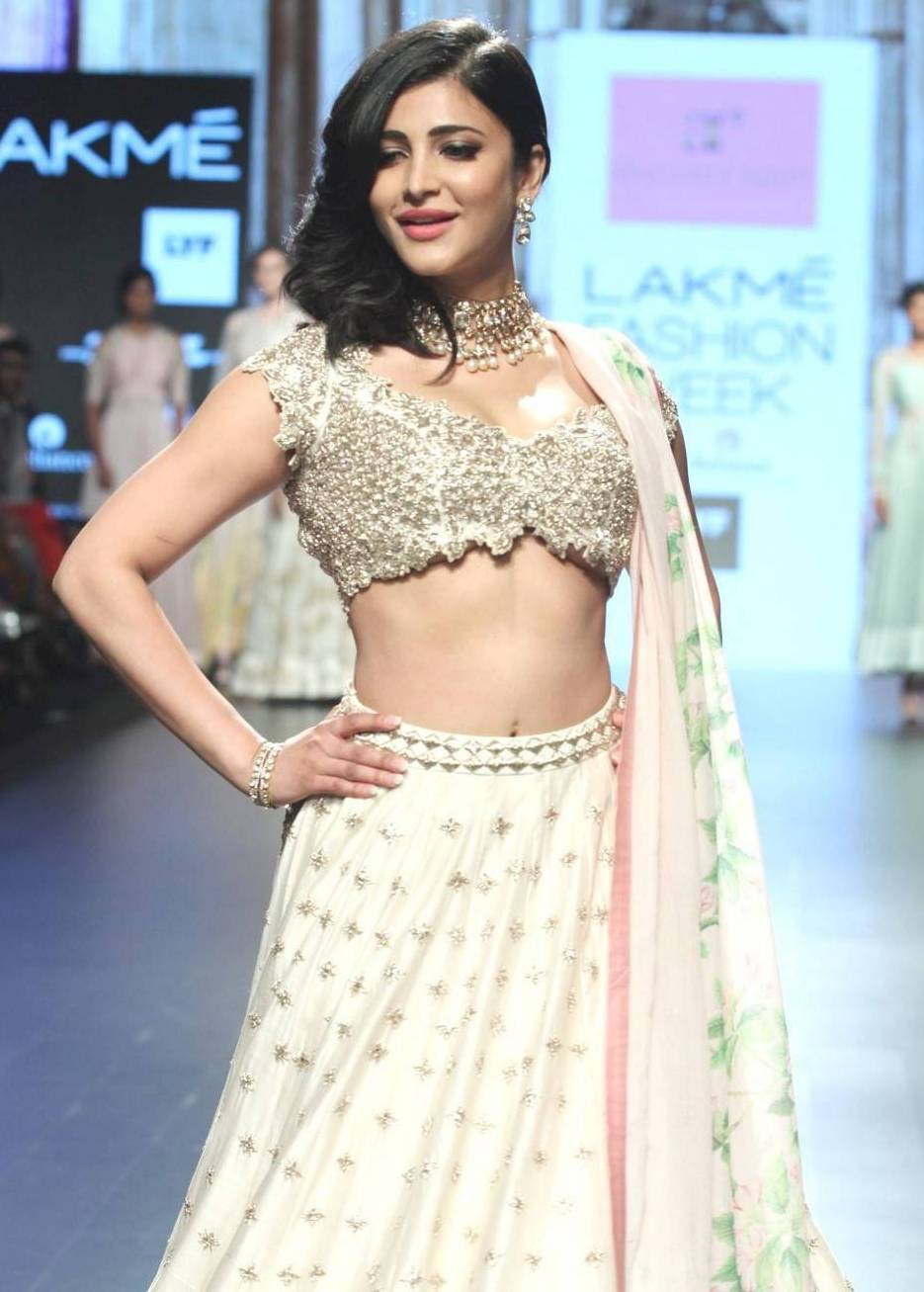 Shruti Hassan Hot Photos At Lakme Fashion Week Summer -3253