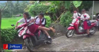 Sekolah Menerapkan Aturan Larangan Siswa Bawa Sepeda Motor