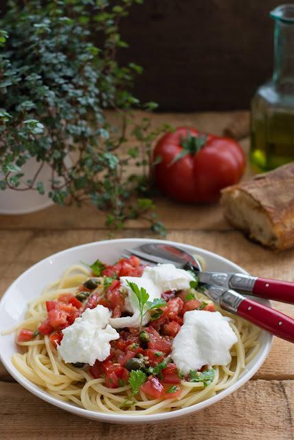 Spaghetti à la sauce tomate estivale