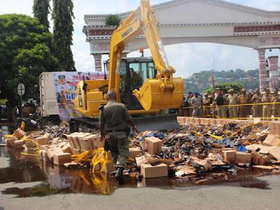 Pemprov Papua Musnahkan Ribuan Botol Miras Sitaan