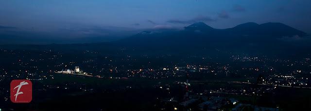 Foto : Keindahan  dari Puncak  Gunung  Sunda