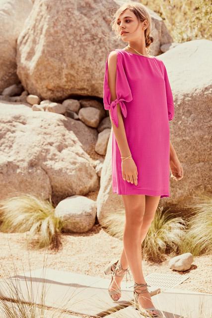 Короткое розовое прямое платье для фигуры прямоугольник