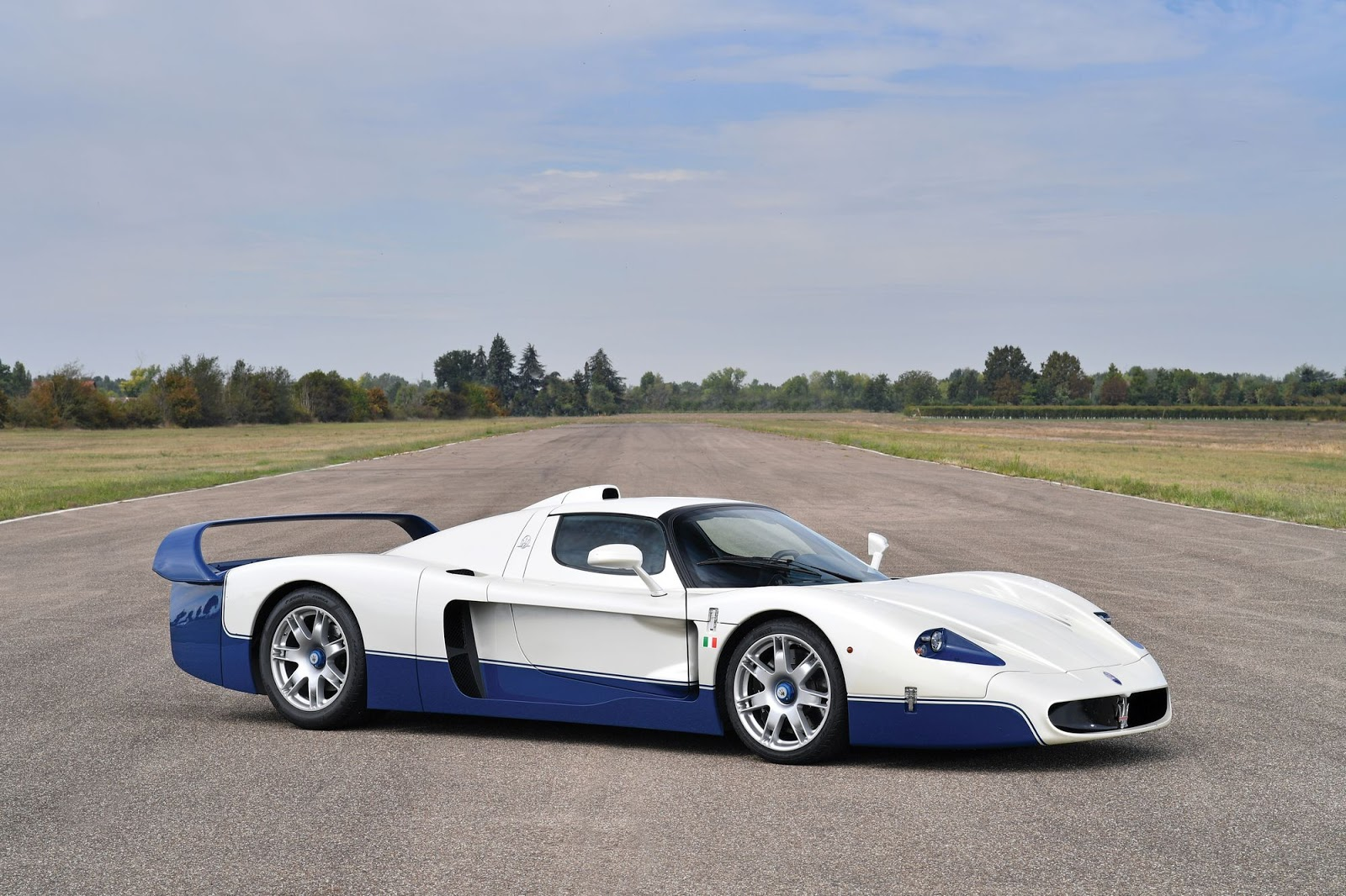 Aftermarket Rear View Camera >> Stunning Maserati MC12 Bound For Auction Without Reserve