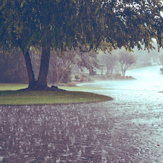hujan lagi hujan