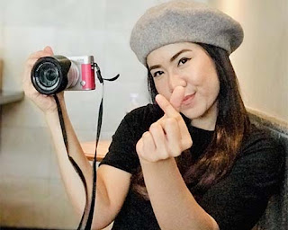 Rayola Bawa Kamera
