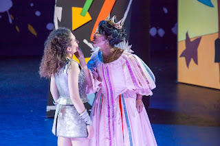 IN PERFORMANCE: Mezzo-sopranos CÉLINE RICCI as Vespina (left) and VIVICA GENAUX as Veremonda in Pier Francesco Cavalli's VEREMONDA, L'AMAZZONE DI ARAGONA at Spoleto Festival USA, 2 June 2015 [Photo © by Julia Lynn Photography]