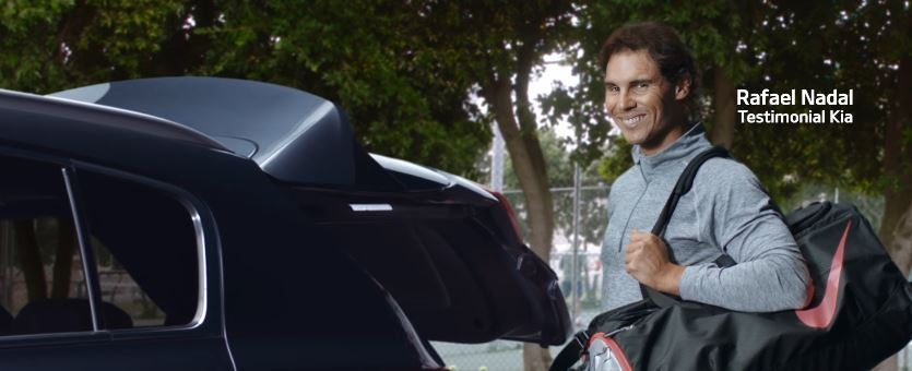Modello e modella Kia Sportage pubblicità con Nadal con Foto - Testimonial Spot Pubblicitario Kia Sportage 2016
