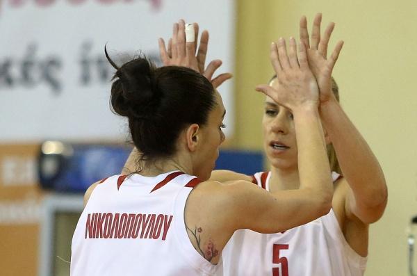 """""""Σκούπισε"""" με 3-0 τη Νίκη Λευκάδας, και παίζει τελικούς με ΠΑΟΚ στην Α1 γυναικών ο Ολυμπιακός"""