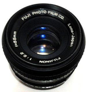 fujinon 50mm f/2.2 tampak depan